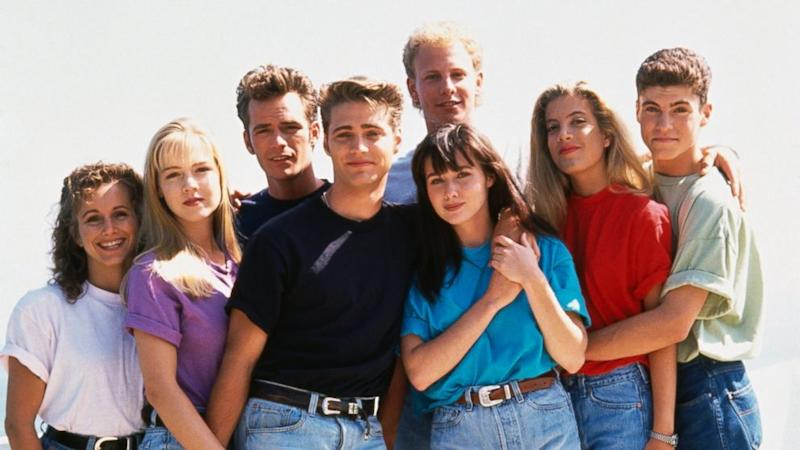'Beverly Hills, 90210' Turns 25: What You Never Knew About the Show