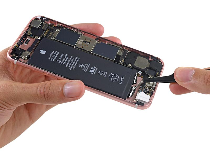 Most phones will tell you their battery capacity in the spec sheet, but iPhones don't. To find out, we've to wait for teardowns from good folks like iFixit. (Image source: iFixit.)