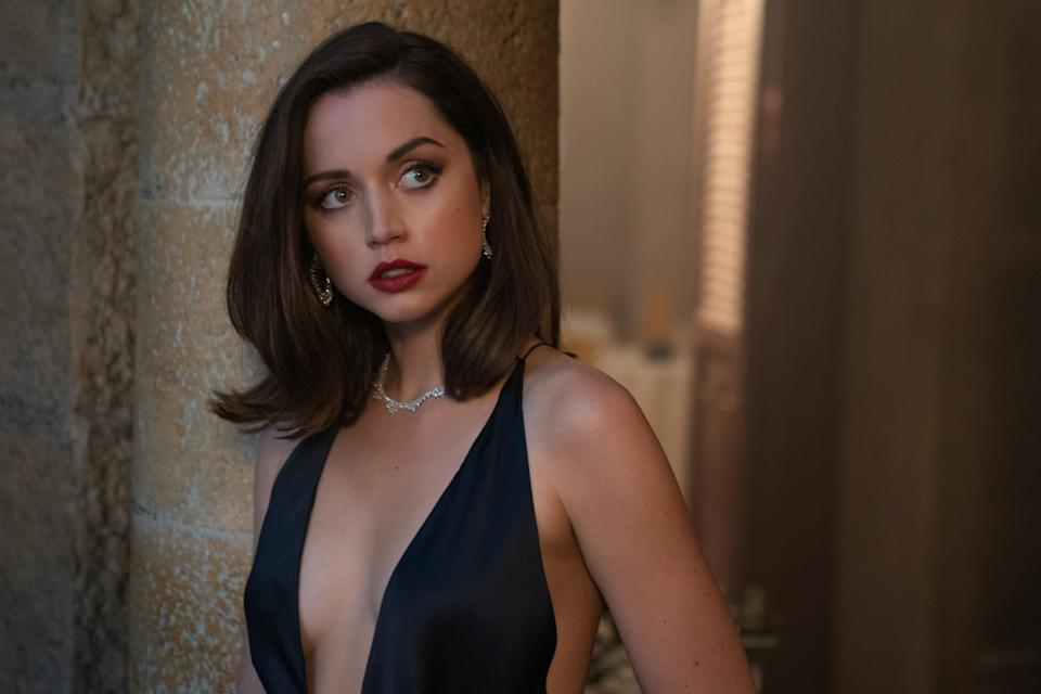 Paloma (Ana De Armas) in Cuba in NO TIME TO DIE, a DANJAQ and Metro Goldwyn Mayer Pictures film. (Credit: Nicola Dove. © 2019 DANJAQ, LLC AND MGM. ALL RIGHTS RESERVED.)