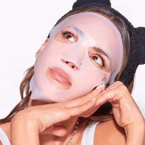 """<p>She took to Instagram to demo one of Honest Beauty's <a href=""""https://www.womenshealthmag.com/beauty/a34946100/silicone-sheet-face-masks/"""" rel=""""nofollow noopener"""" target=""""_blank"""" data-ylk=""""slk:reusable silicone sheet masks,"""" class=""""link rapid-noclick-resp"""">reusable silicone sheet masks, </a>that seal in hydrating skincare products. </p><p><a href=""""https://www.instagram.com/p/CIwPFWDlnka/?igshid=1b4nm67xpeyiw"""" rel=""""nofollow noopener"""" target=""""_blank"""" data-ylk=""""slk:See the original post on Instagram"""" class=""""link rapid-noclick-resp"""">See the original post on Instagram</a></p>"""