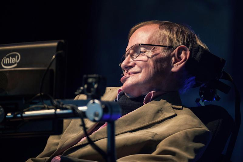 Stephen Hawking's thesis and wheelchair are to be auctioned off