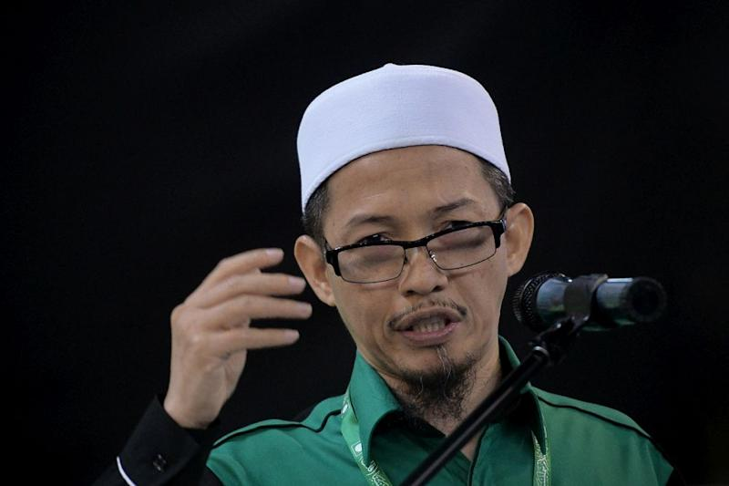 Nik Mohamad Abduh Nik Aziz claimed that Muslims who agree that Dr Zakir be deported are 'hypocrites and sinners'. — Picture by Mukhriz Hazim