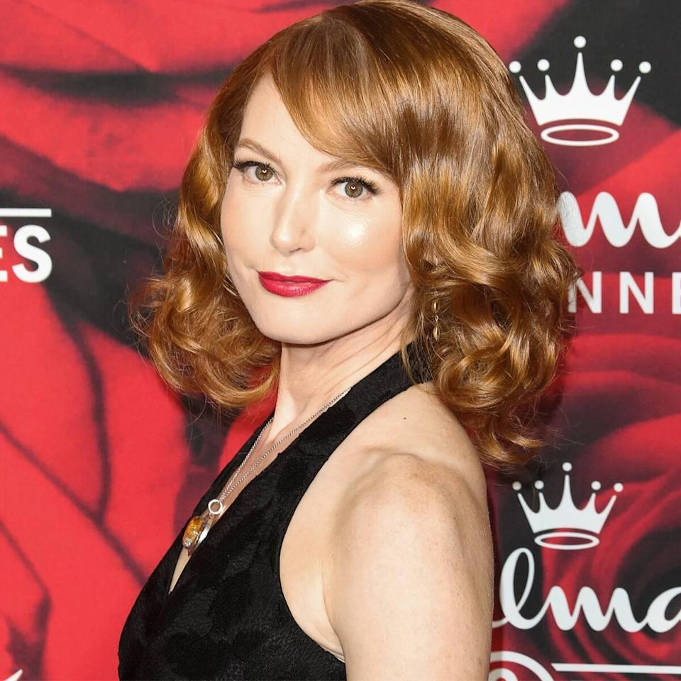 Black Cat Changes Life of Actress Alicia Witt Forever