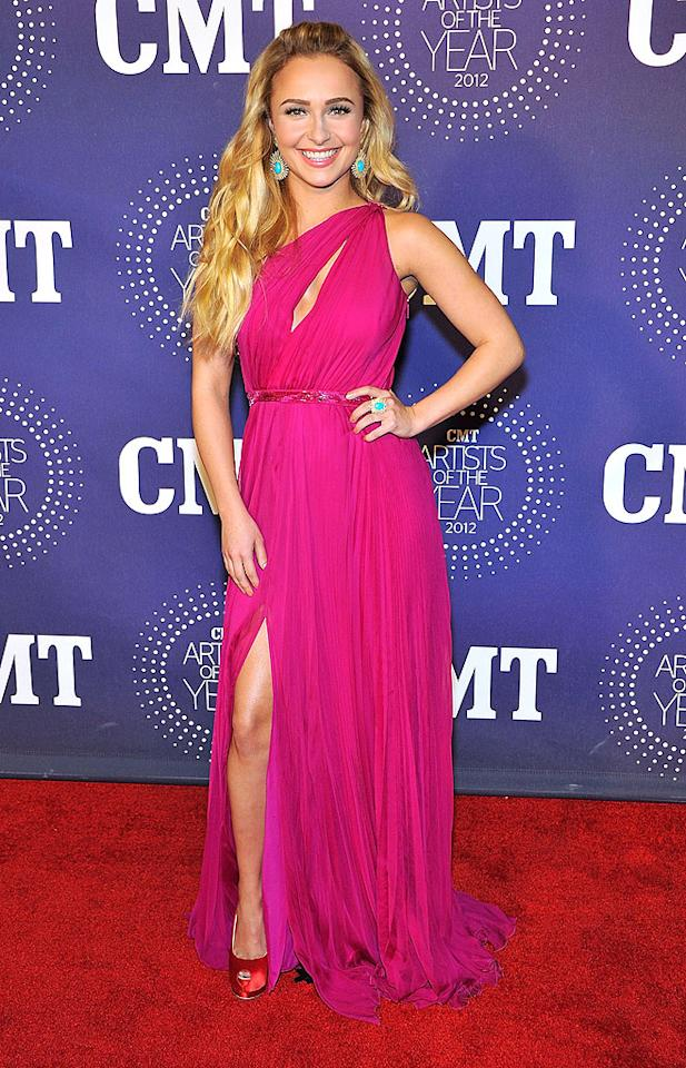 FRANKLIN, TN - DECEMBER 03:  Hayden Panettiere arrives at the 2012 CMT Artists Of The Year at The Factory At Franklin on December 3, 2012 in Franklin, Tennessee.  (Photo by Frederick Breedon/WireImage)