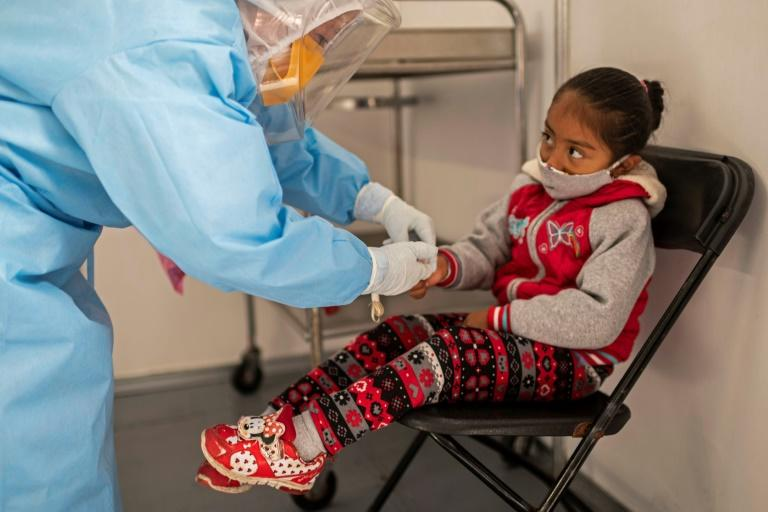 Pandemic baptism of fire for young Mexican doctors