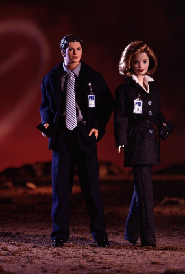 "<div class=""caption-credit""> Photo by: barbiecollector.com</div><b>""X-Files"" Barbie set, released in 1998 for $79.95</b> <br> We're sure there are some sci-fi collectors out there who would love these dolls, but Fox Mulder looks more like Nick Lachey than David Duchovny. The Dana Scully doll isn't awful, but her suit is almost too chic."