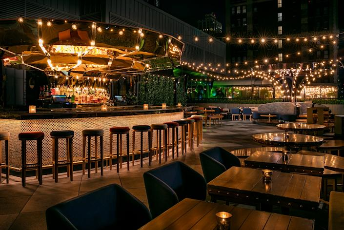 The Magic Hour Rooftop Bar & Lounge at Moxy Times Square: Warren Jagger