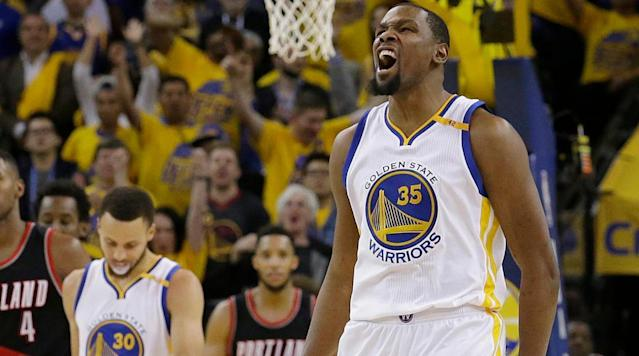 Warriors pull away from Blazers in 4th quarter to win Game 1