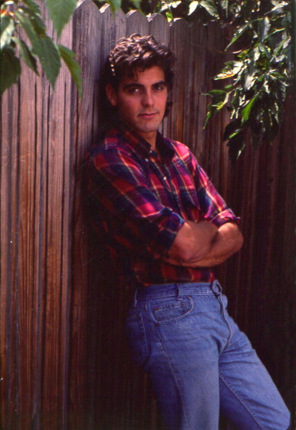 <p>Clooney poses for a portrait session in May 1985 in Los Angeles, California.</p>