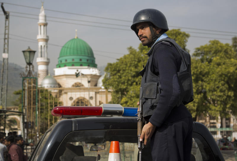 Pakistan Leaders Vow Revenge On Taliban After Spate Of Attacks
