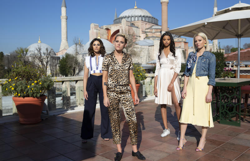 Kristen Stewart, Naomi Scott, Ella Balinska and Elizabeth Banks star in Charlie's Angels. (Sony Pictures)