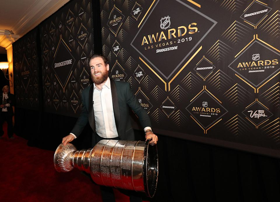 LAS VEGAS, NEVADA - JUNE 19: Ryan O'Reilly of the St. Louis Blues arrives on the red carpet with the Stanley Cup for the 2019 NHL Awards on June 19, 2019 in Las Vegas, Nevada. (Photo by Dave Sandford/NHLI via Getty Images)