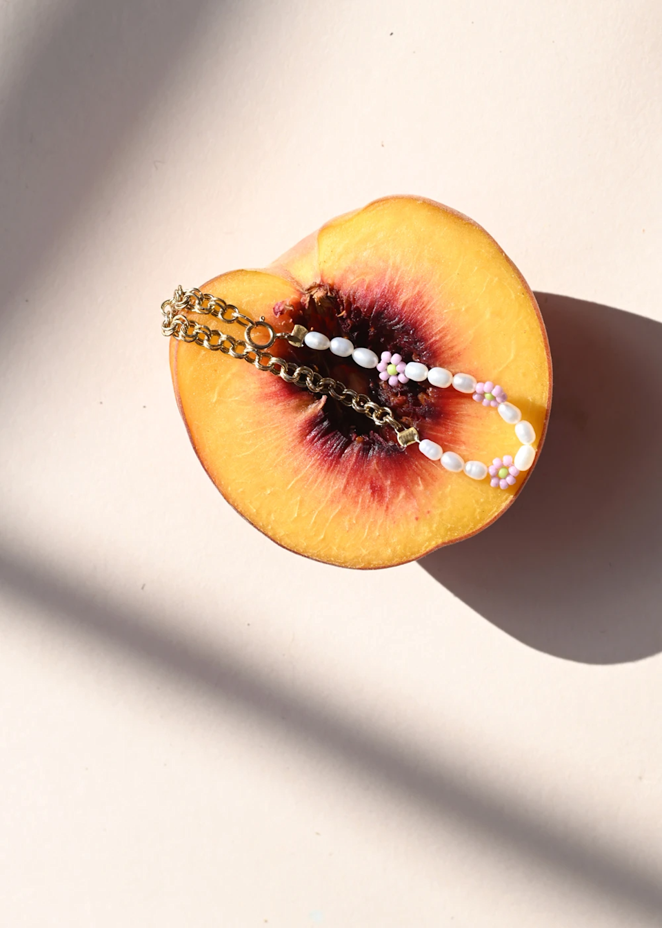 """<h3>Hilsen Heloise Bracelet</h3><br>Cara Cara is a go-to online retailer for the sweetest deals on the best brands. Browse their site to find scores on home and wardrobe items from the likes of Hay to Karen Walker and much more. <br><br><strong>Hilsen</strong> Heloise Bracelet, $, available at <a href=""""https://go.skimresources.com?id=30283X879131&xs=1&url=https%3A%2F%2Fcaracara.la%2Fcollections%2Fgifts-under-50%2Fproducts%2Fheloise-bracelet"""" rel=""""nofollow noopener"""" target=""""_blank"""" data-ylk=""""slk:Cara Cara"""" class=""""link rapid-noclick-resp"""">Cara Cara</a>"""