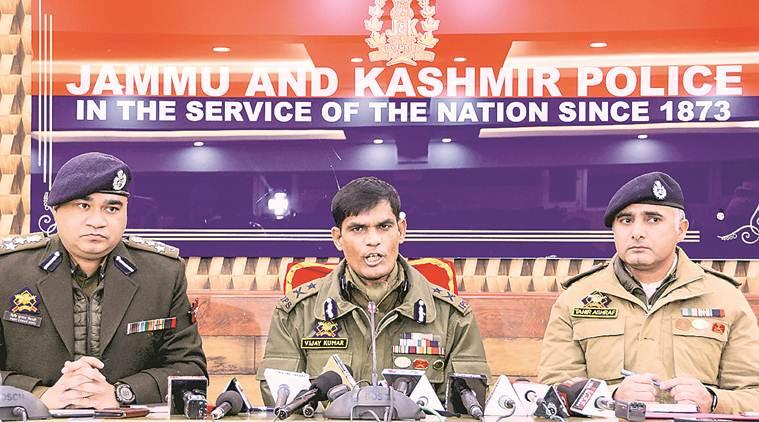 Jammu kashmir news, J&K officer arrested, J&K police officer arrested, J&K officer arrested with militants, J&K police officer arrested with militants, India news, Indian Express
