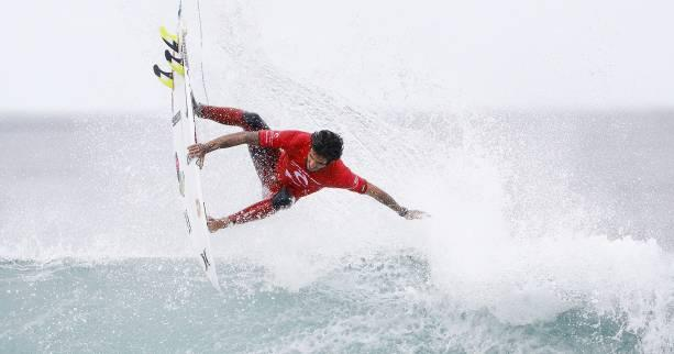 Surf - CT - Bells - Pro Bells Beach (1er tour) : Michel Bourez assure, Filipe Toledo s'envole