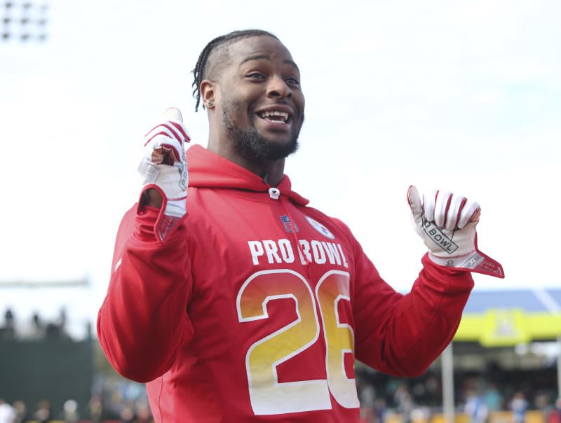 Le'Veon Bell said the Steelers informed him he'll be given the franchise tag again if a long-term deal isn't worked out. (AP)