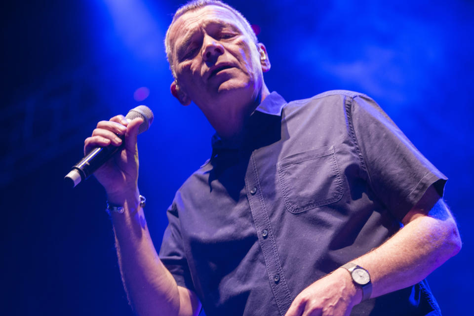 MADRID, SPAIN - JULY 23: Duncan Campbell of UB40 performs on stage at Noches del Botanico on July 23, 2017 in Madrid, Spain. (Photo by Angel Manzano/Redferns)