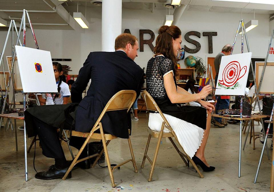 <p>Kate and Will compare their artwork during a royal tour of Canada.<br></p>