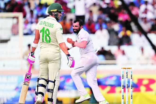 South Africa's captain Faf du Plessis, looking back after being dismissed by India's Mohammed Shami during the third day of India versus South Africa test match in Ranchi (AP photo)