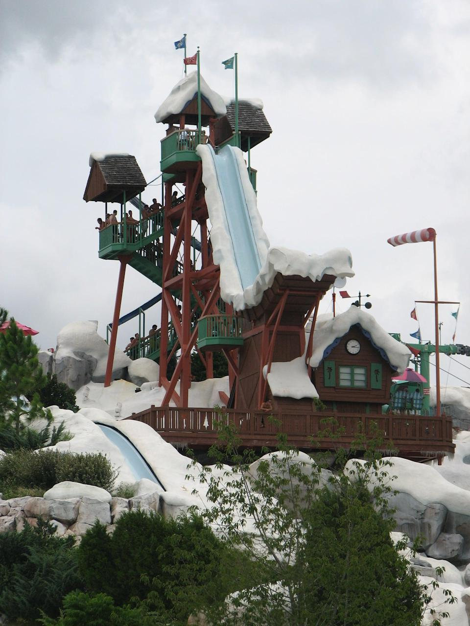 """<p>""""Typhoon Lagoon, Blizzard Beach . . . Downtown Disney is also a great place to spend an evening perusing the shops and getting dinner. Just be sure you're prepared for a long walk!"""" - <a href=""""http://www.quora.com/Michael-Lee-27"""" class=""""link rapid-noclick-resp"""" rel=""""nofollow noopener"""" target=""""_blank"""" data-ylk=""""slk:Quora user Michael Lee"""">Quora user Michael Lee</a></p>"""