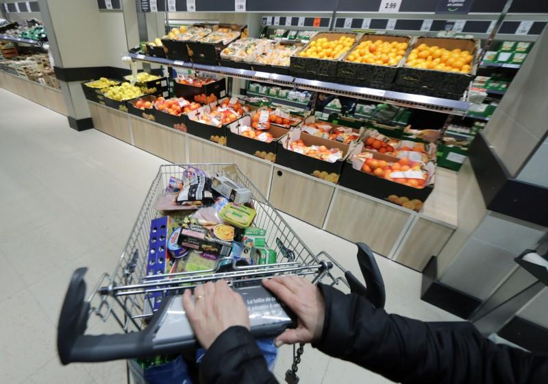 French consumer confidence dipped in March ahead of confinement