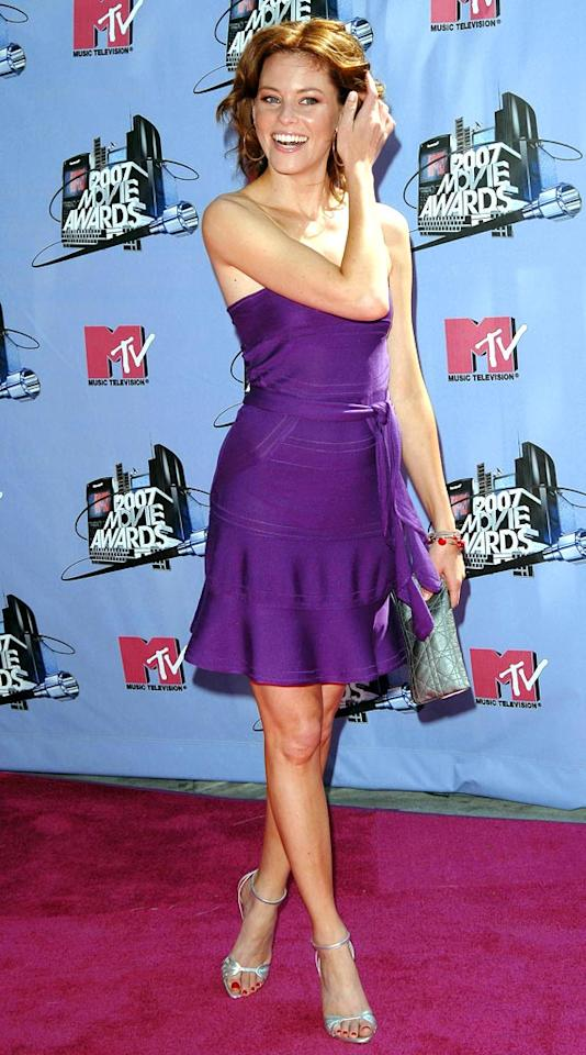 "Elizabeth Banks arrives at the 2007 MTV Movie Awards. NP/<a href=""http://www.x17online.com"" target=""new"">X17 Online</a> - June 3, 2007"
