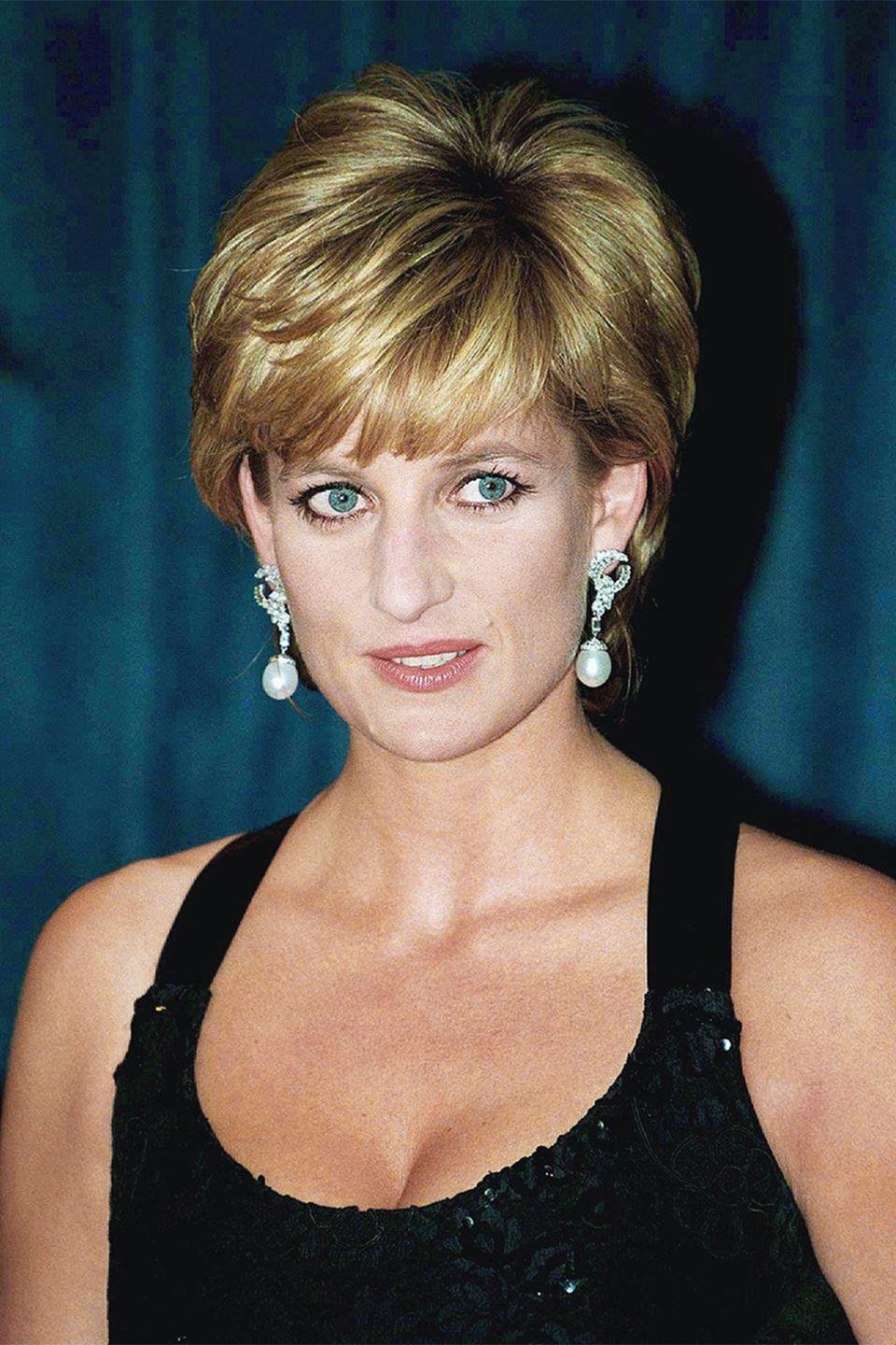 <p>Side-swept bangs on Princess Diana in 1995.</p>
