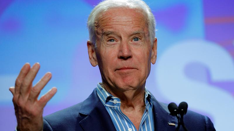 Viral Photo Of Joe Biden's Chat With A Homeless Man Is Melting Frozen Hearts