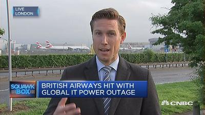 Thousands of British Airways passengers remain stranded at London's Heathrow airport after a worldwide computer power outage occurred on Saturday. CNBC's Willem Marx has the latest.