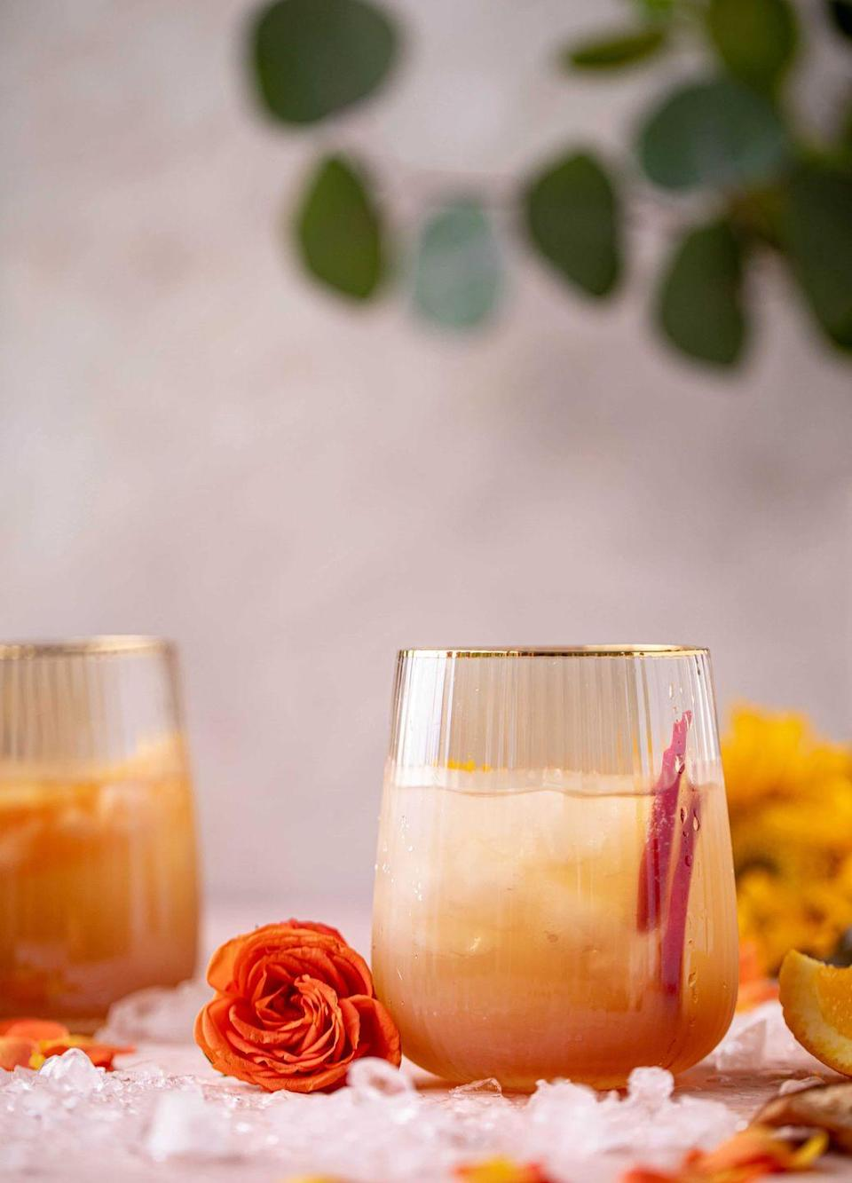 """<p>This Prosecco-based spritzer was simply made for those warm, sunny autumn afternoons. </p><p><a class=""""link rapid-noclick-resp"""" href=""""https://www.howsweeteats.com/2019/09/apple-cider-spritz/"""" rel=""""nofollow noopener"""" target=""""_blank"""" data-ylk=""""slk:GET THE RECIPE"""">GET THE RECIPE</a></p>"""