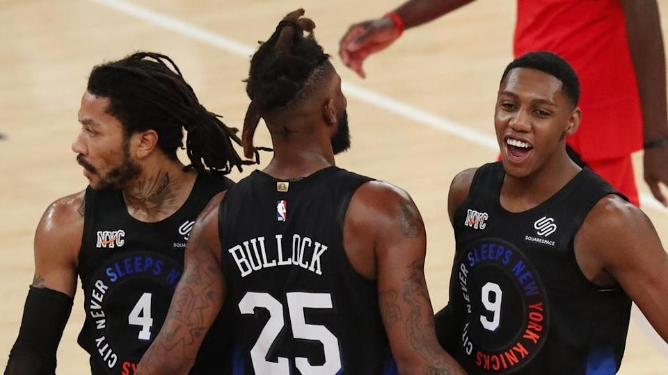 Knicks Derrick Rose, Reggie Bullock and RJ Barrett celebrate