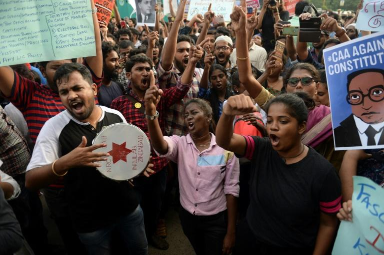 Students and demonstrators protest against India's new citizenship law in Chennai on December 19, 2019 (AFP Photo/Arun SANKAR                        )