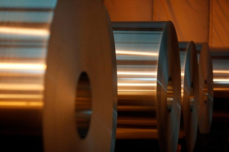 Apple Backs Alcoa, Rio Tinto to Develop Carbon-Free Metal Making