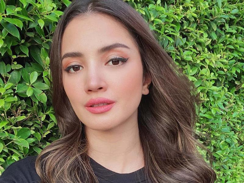 Fazura enlists fans' help to provide care for the animals at Zoo Negara.