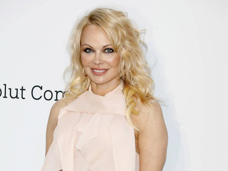 Pamela Anderson slammed for posing in Native American headdress