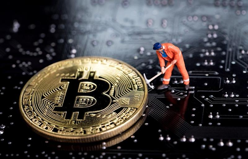 In about every four years, Bitcoin experiences a block reward halving, a mechanism that reduces the rate in which new bitcoin is mined by miners. | Source: Shutterstock