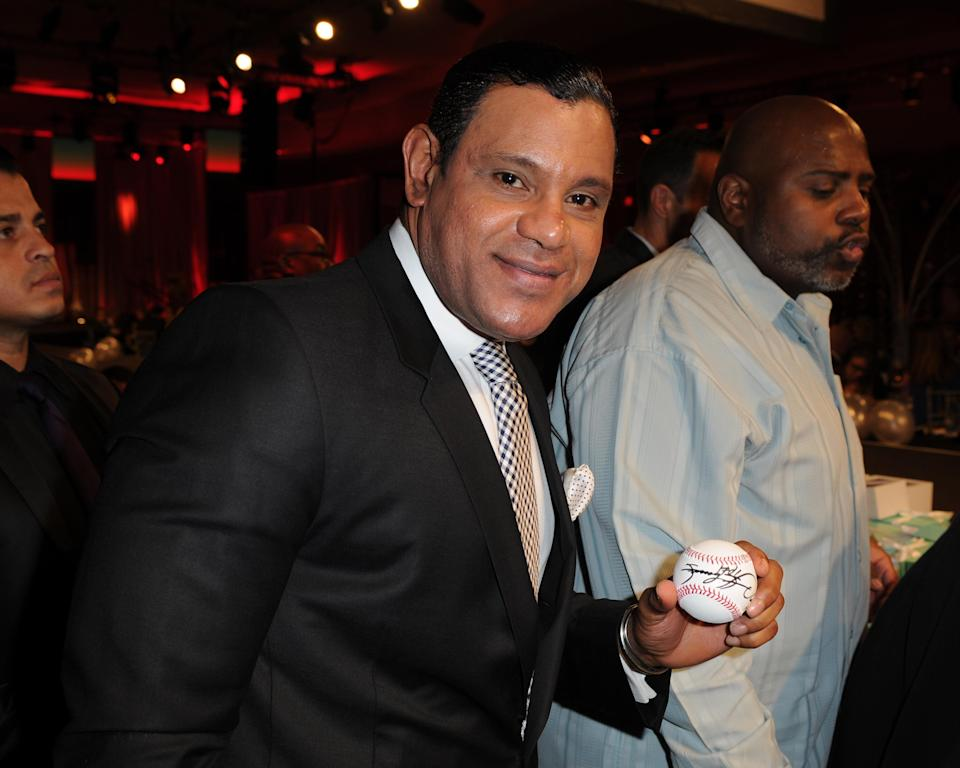 Another picture of Sammy Sosa has everyone talking. (AP Photo)