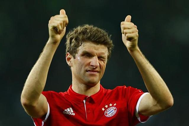 Thomas Mueller and Robert Lewandowski netted twice as Bayern Munich thrashed 10-man Besiktas 5-0 on Tuesday in the first leg of their Champions League last 16 tie.