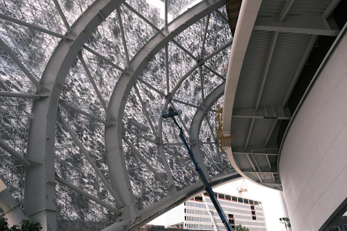 """The fritted pattern on part of the SoFi Stadium roof allows in fresh air while offering protection from the sun. <span class=""""copyright"""">(SoFi Stadium)</span>"""