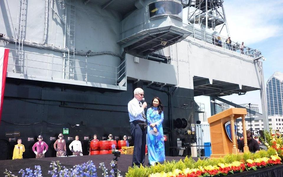 Bashall gives a talk on the USS Midway about his experiences