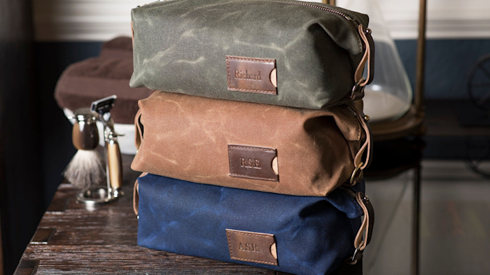 Best personalized gifts 2020: ClarkandTaft Personalized Dopp Kit