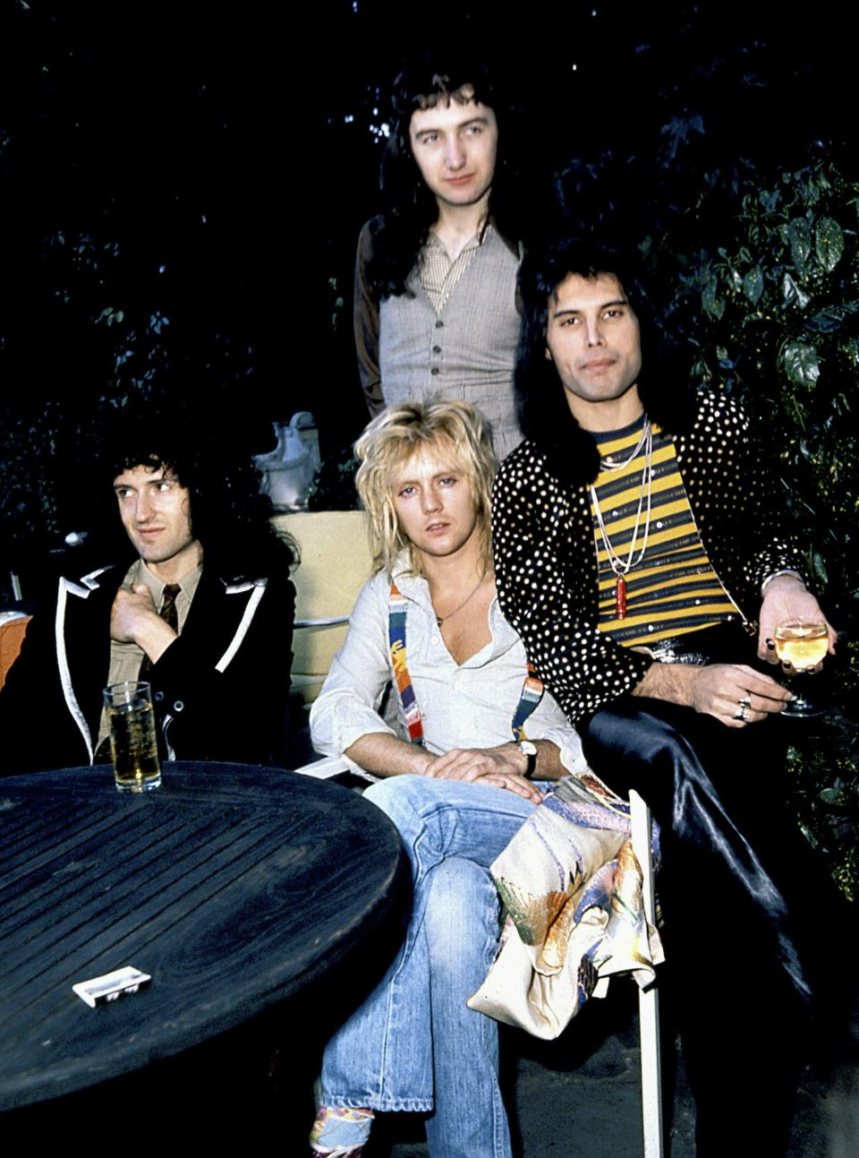 British Rock Group \Queen (L-R) John Deacon, Brian May, Roger Taylor And Freddie Mercury.. Credit: 349441_Globe Photos/MediaPunch /IPX