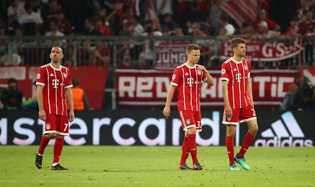 Soccer Football - Champions League Semi Final First Leg - Bayern Munich vs Real Madrid - Allianz Arena, Munich, Germany - April 25, 2018 Bayern Munich's Franck Ribery, Joshua Kimmich and Thomas Mueller look dejected after the match REUTERS/Michael Dalder