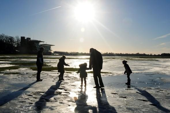 Britain braced for six inches of snow and Big Freeze set to continue