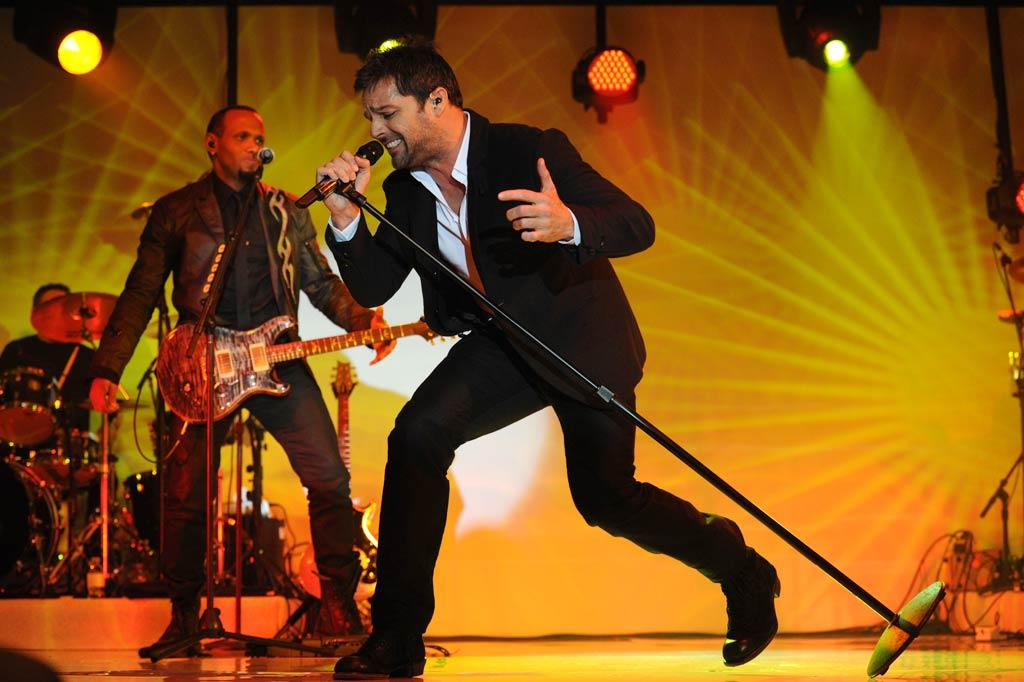 """Ricky Martin shook his bon-bon while performing """"Livin' La Vida Loca"""" for the star-studded crowd. Jason Merritt/<a href=""""http://www.gettyimages.com/"""" target=""""new"""">GettyImages.com</a> - January 13, 2011"""