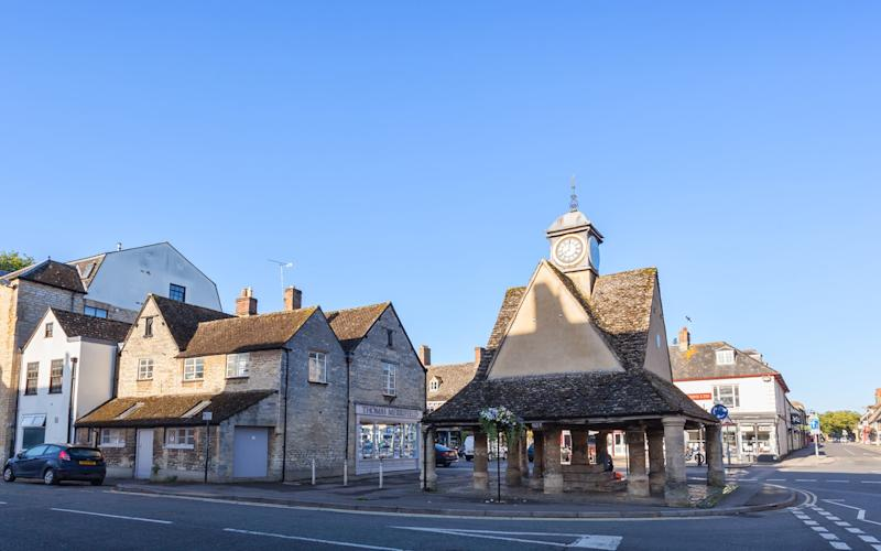 Overtourism isn't a problem in Witney - ©2015 Martyn Ferry