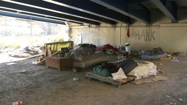 PHOTO: This photo depicts the area under the I-95 exit ramp near Philadelphia, where Johnny Bobbitt and his friends slept. (ABC News)
