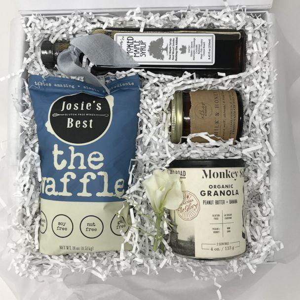PHOTO: A breakfast in bed box from Box Babe. (Box Babe)