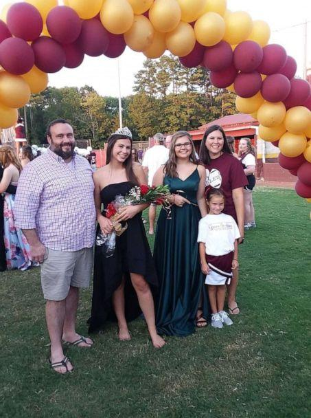 PHOTO: Allison Sigler as the 2019 Homecoming Queen, pictured with her father, Matt, mother, Kristen, and sisters, Katelyn and Kinsley in Chattanooga, Tenn. (Courtesy of Allison Sigler)
