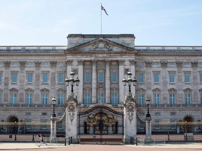 Buckingham Palace coronavirus empty